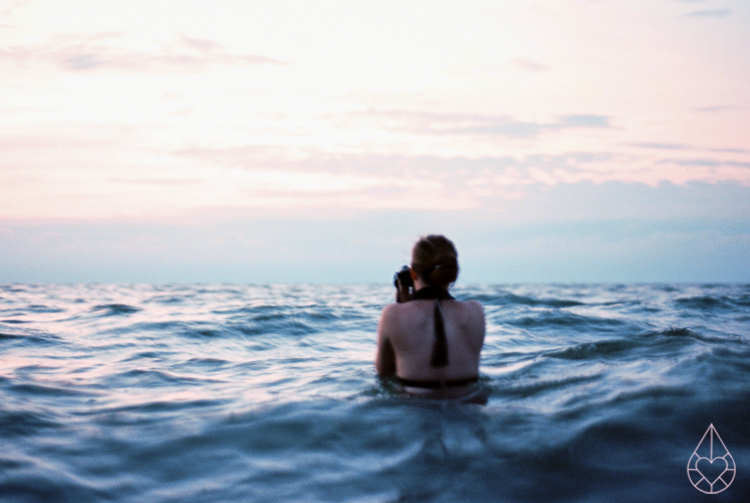 Nightswimming, Nikon FE, by Zilverblauw.nl