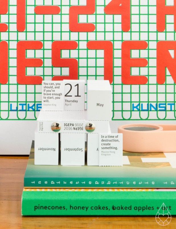 IGEPA Algro Design Cube Kalender, by zilverblauw.nl
