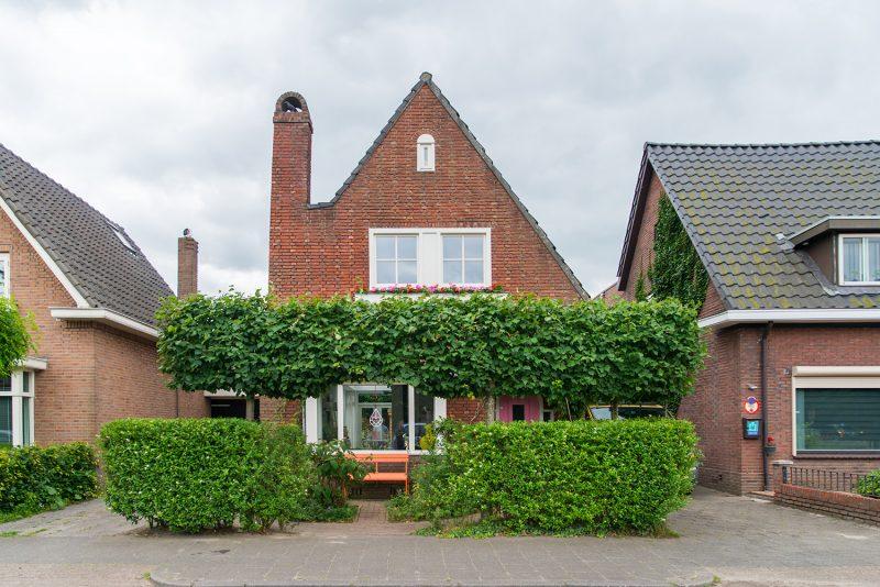 Instapklaar vrijstaand jaren '30 huis nabij centrum van Oisterwijk
